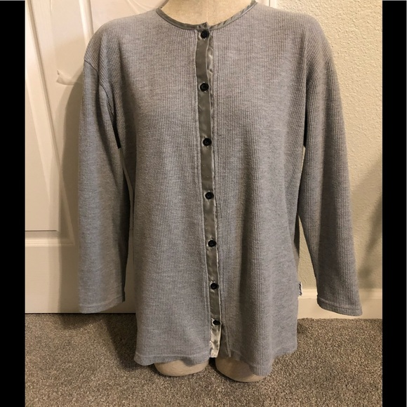 New York & Company Tops - NEW YORK & CO grey button down, woman's M top